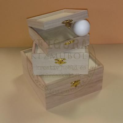 Fa doboz szett peremes tetővel 3db-os min. 11*11*4,5cm, max. 16,5*16,5*8cm