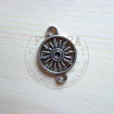 Fém medál ezüst nap kör keretben, összekötő, átmérő 16mm