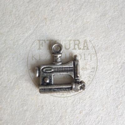 Fém medál varrógép 15*15mm antikezüst