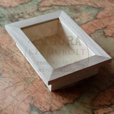 Fa képkeret 3D külső 12*16, belső 8*12cm, műa. ablakkal