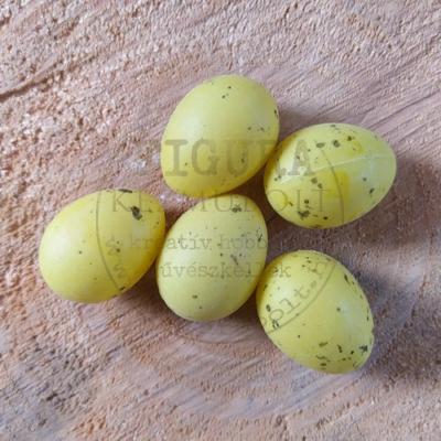 Műanyag tojás 3cm - SÁRGA fröcskölt (FÜRJ)